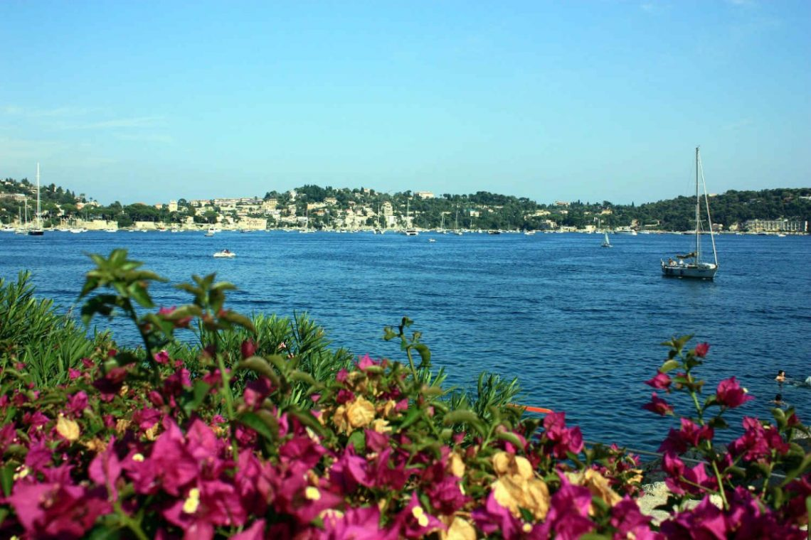 French Riviera luxury house Sale and French Riviera luxury house Rent