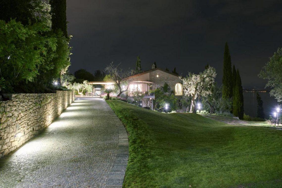 Waterfront Villa Padenghe sul Garda 03