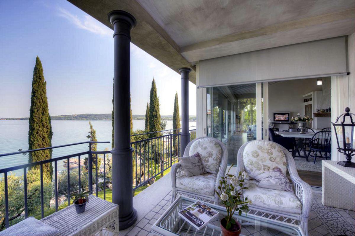 Waterfront Villa Padenghe sul Garda