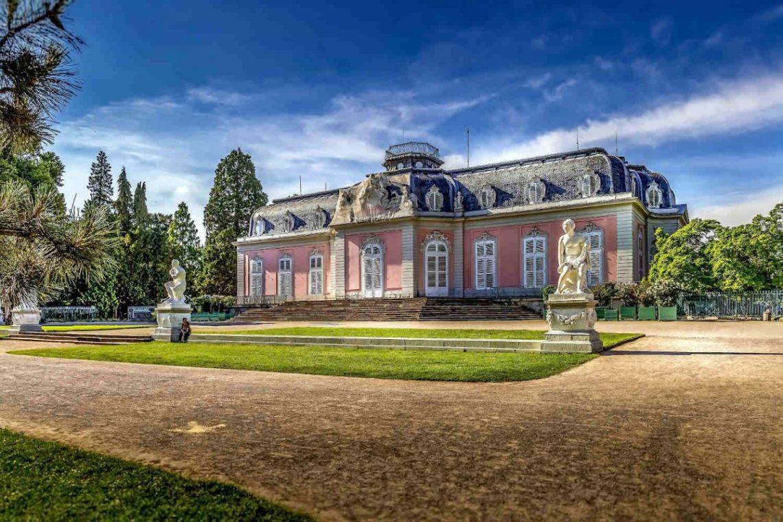 Historic Villas Lake Garda sale