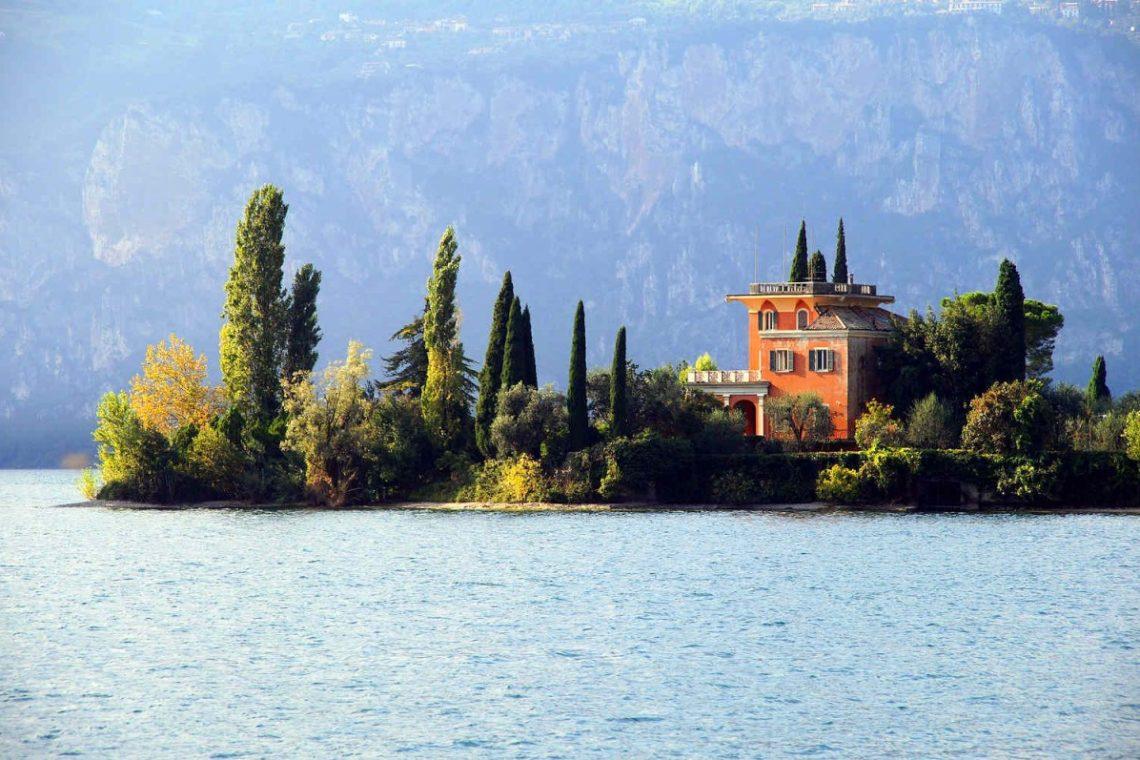 Villas sale Lake Garda