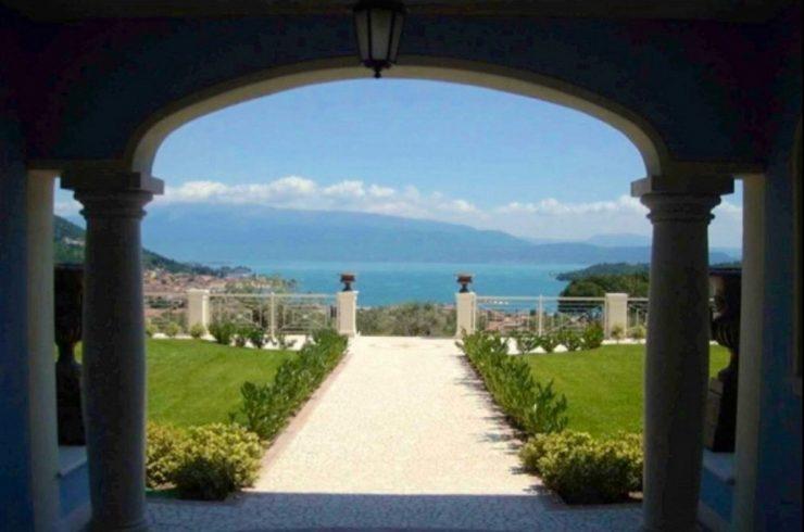 Salo apartment lake view in Italy Lake Garda
