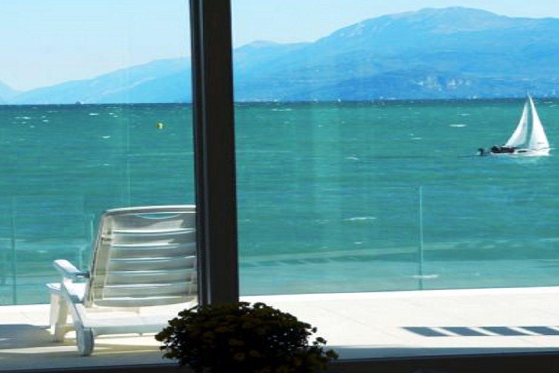 Italy Desenzano del Garda Waterfront Villa 01