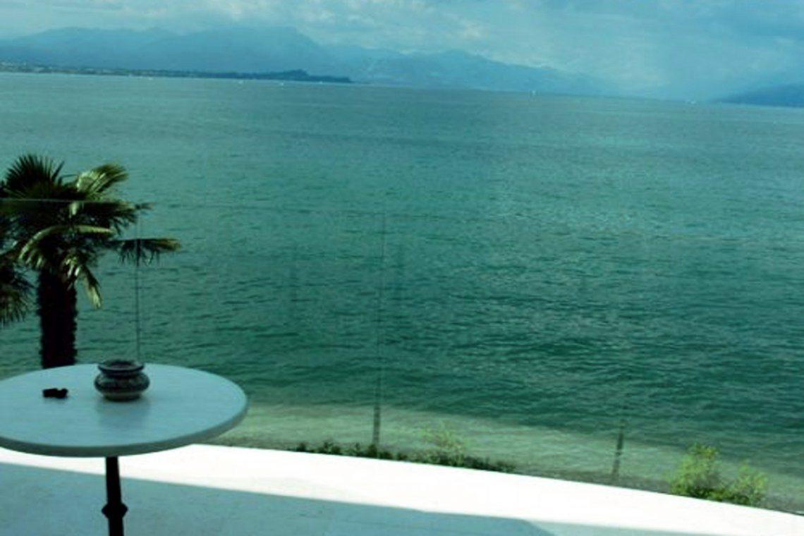 Italy Desenzano del Garda Waterfront Villa 02