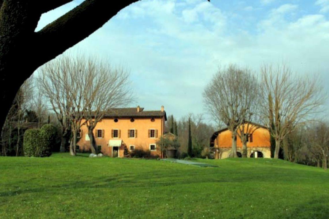 Historic Cottage near Peschiera del Garda 06