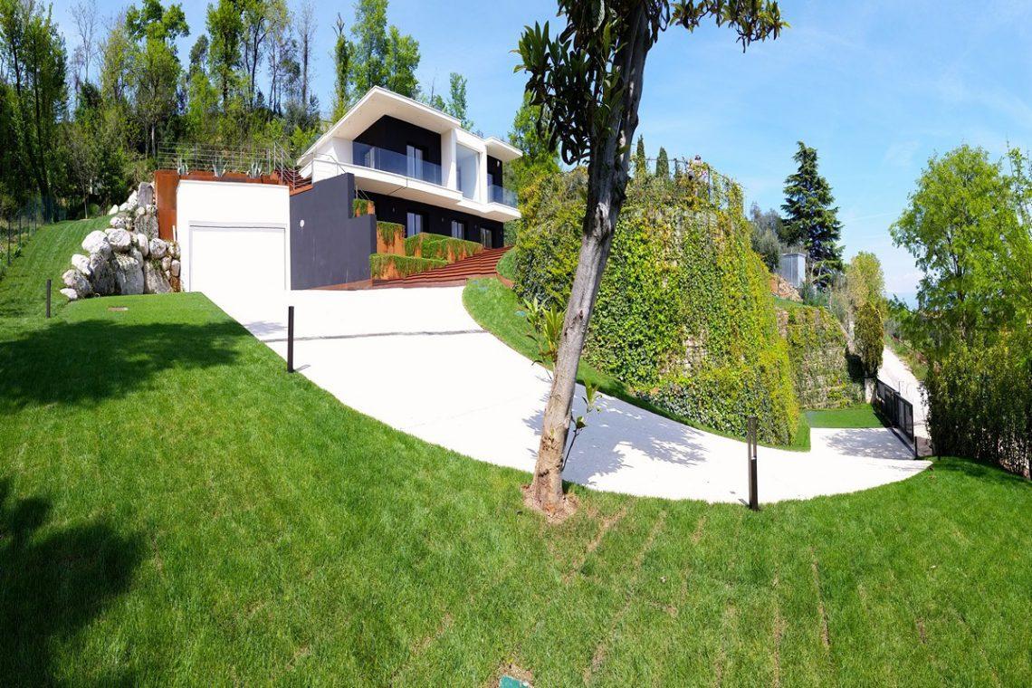 Italy Padenghe sul Garda villa lake view 13