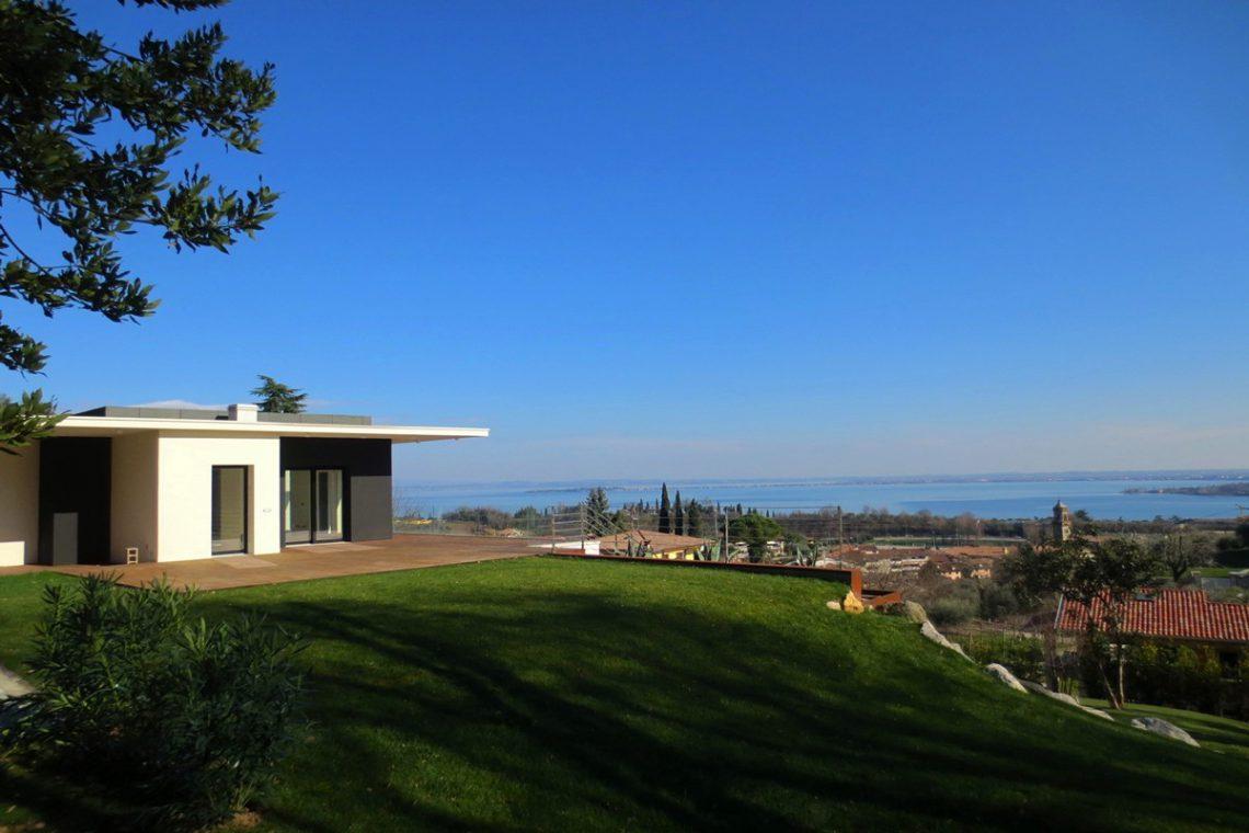 Italy Padenghe sul Garda villa lake view 17