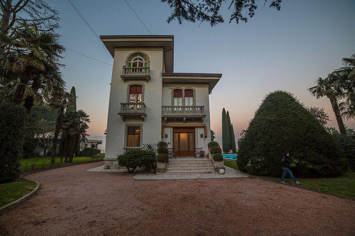 Lake Garda waterfront Art Nouveau villa 02