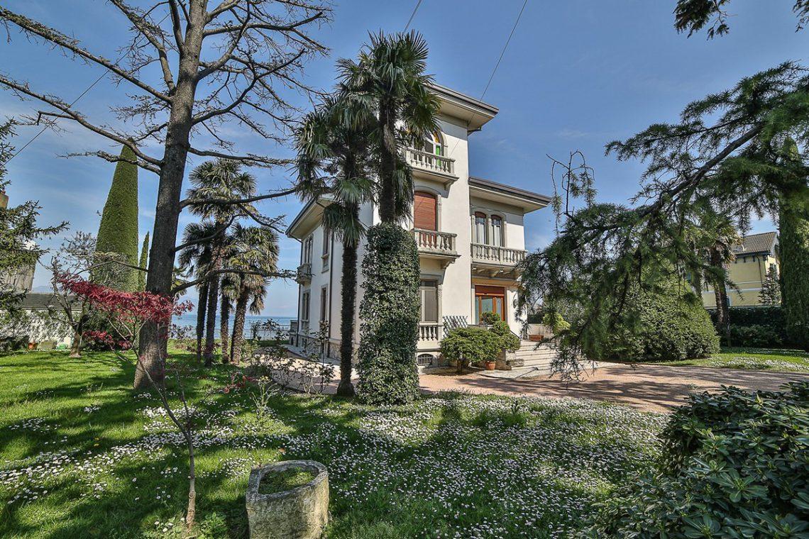 Lake Garda waterfront Art Nouveau villa 03