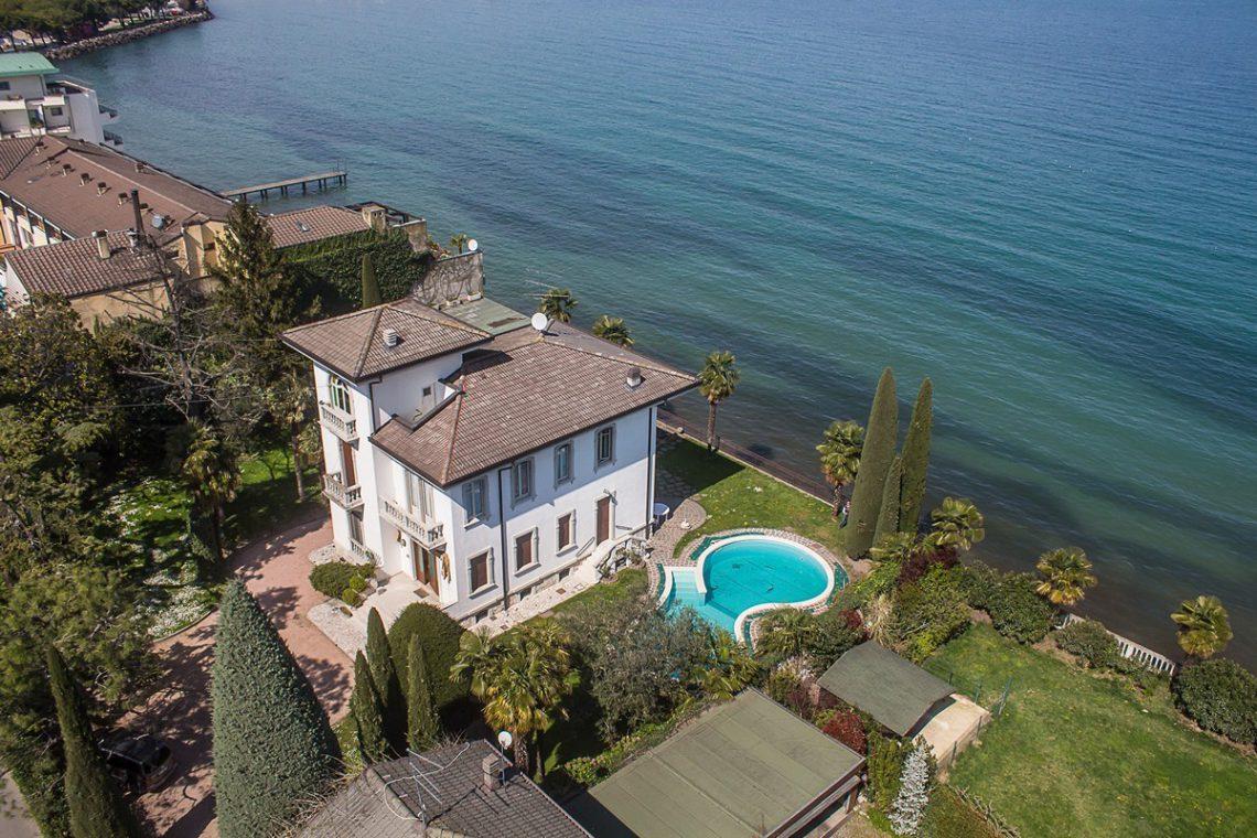 Lake Garda waterfront Art Nouveau villa 07