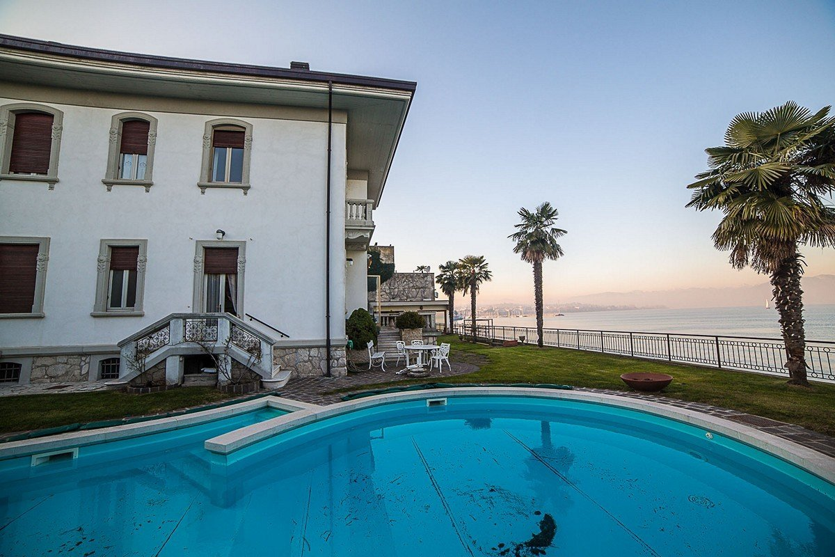 Waterfront Art Nouveau villa for sale in Italy, Lake Garda
