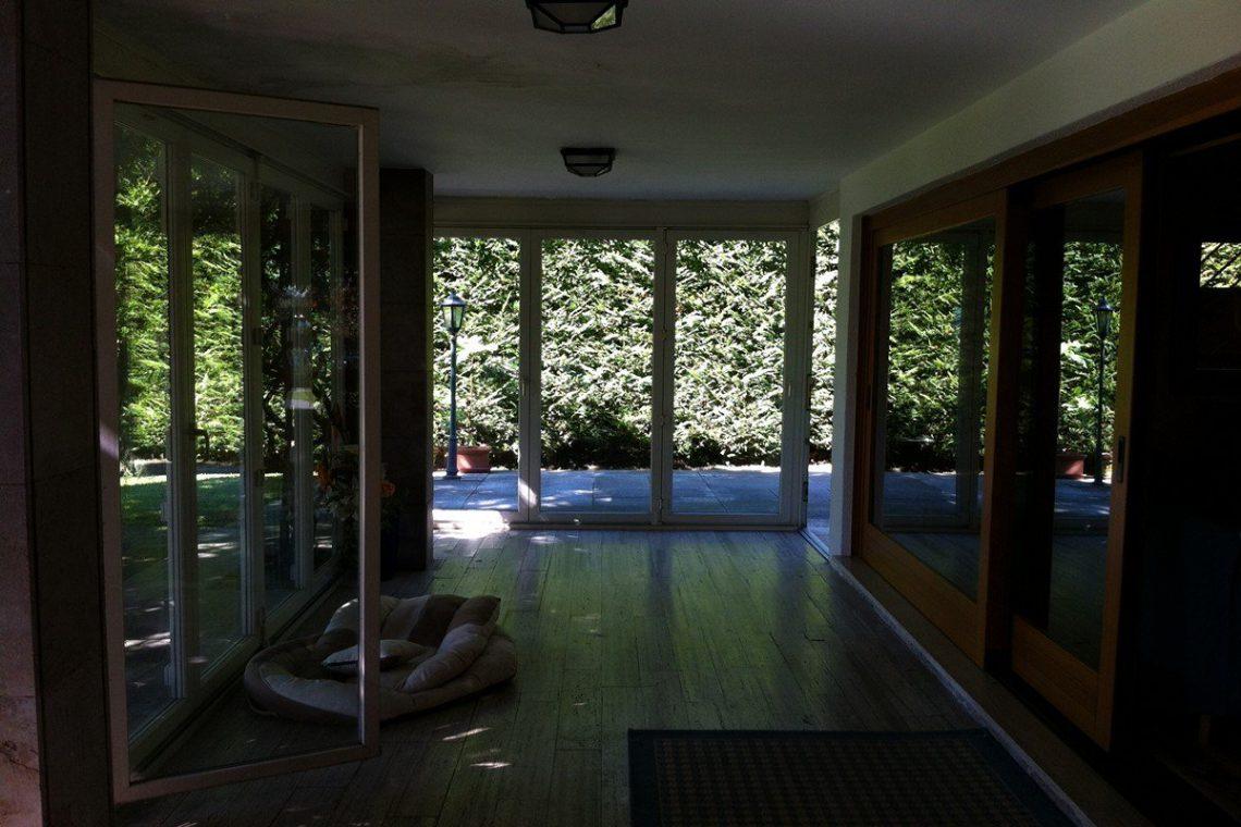 Lake Garda waterfront villa with private dock 29