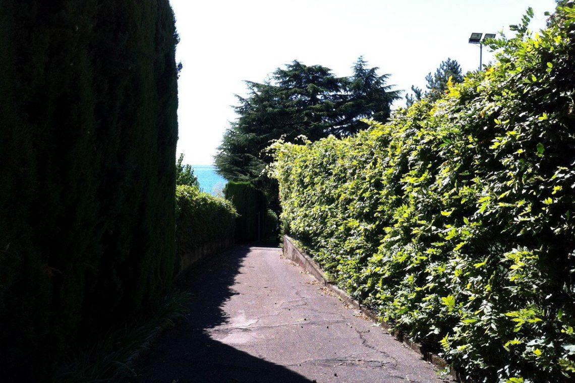 Lake Garda waterfront villa 34