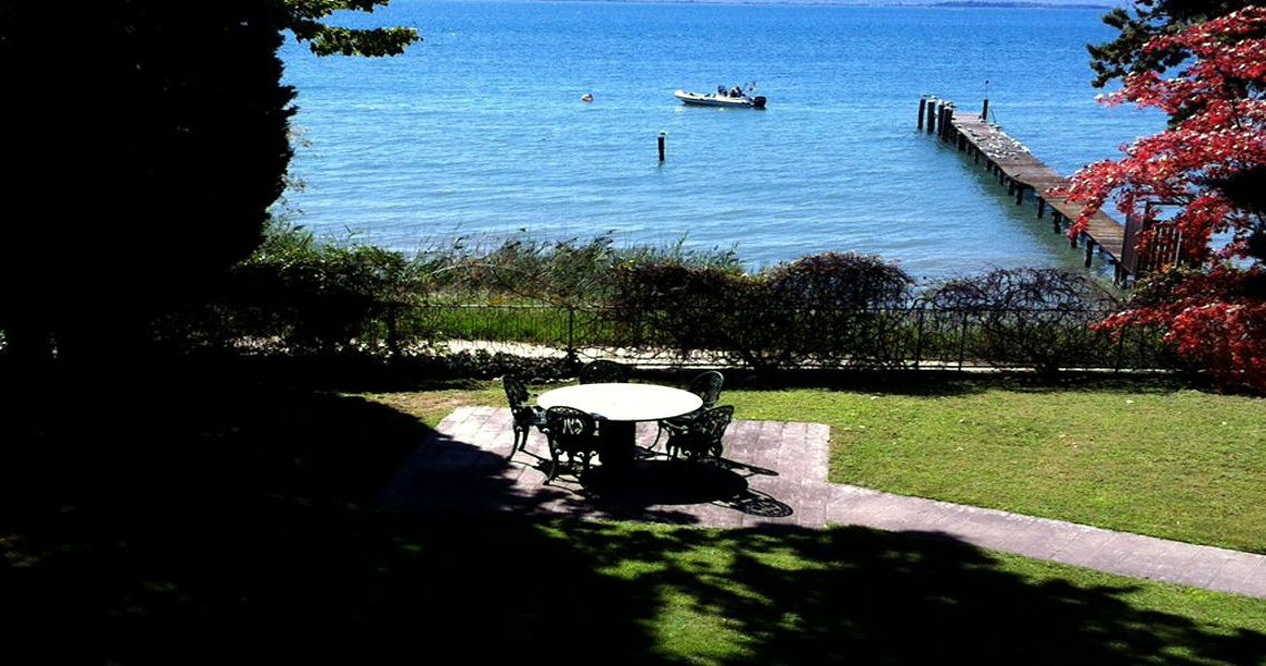 Lake Garda waterfront villa slider