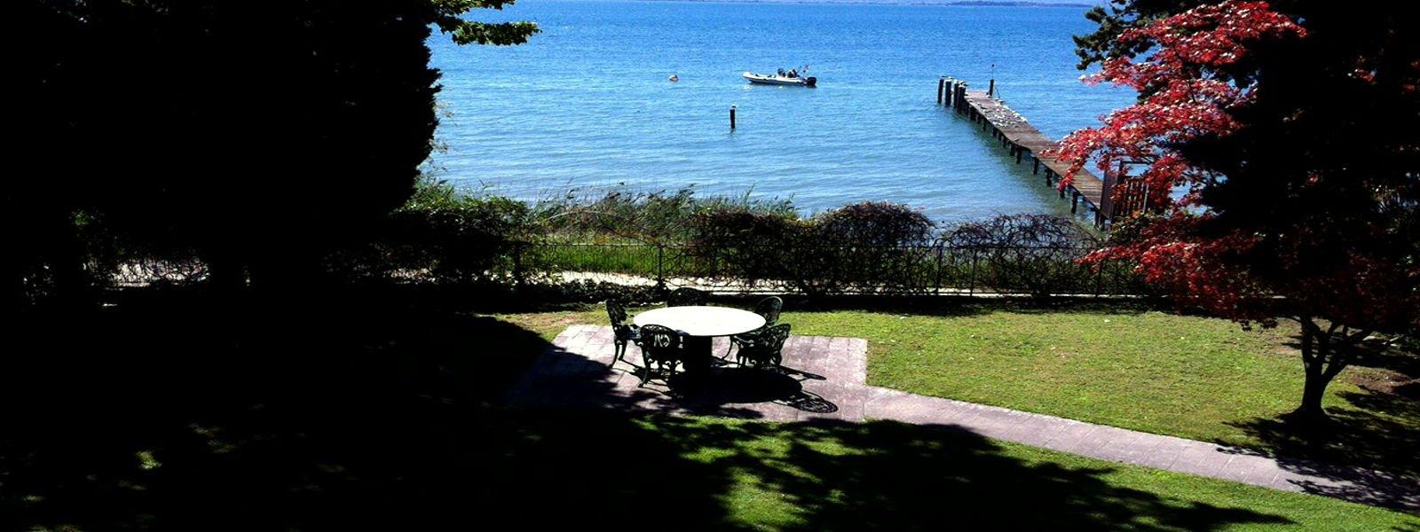 Lake Garda waterfront villa