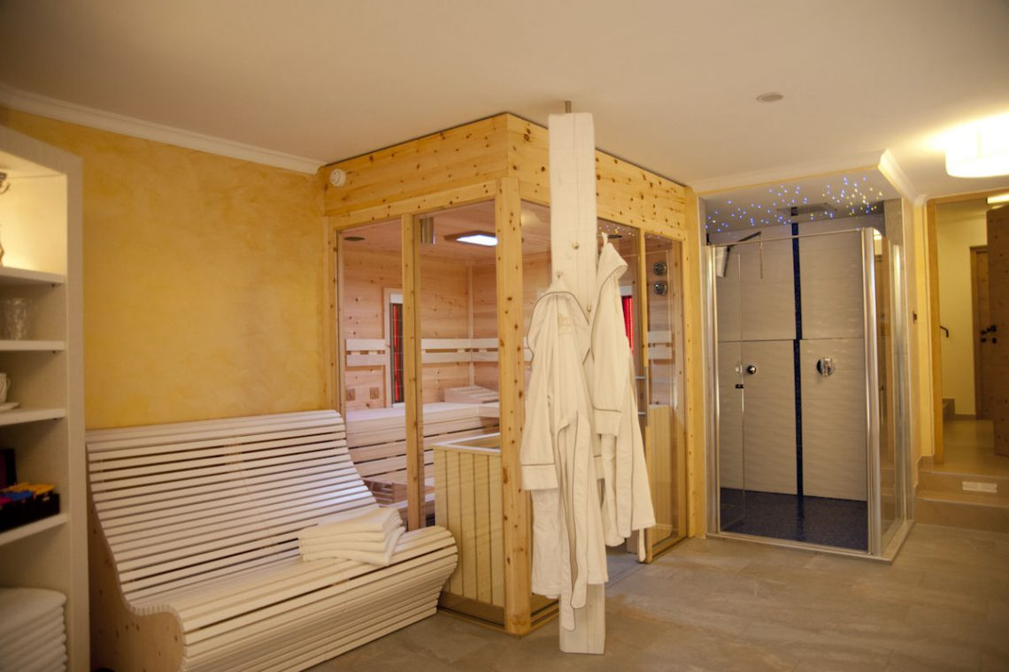 Alps Dolomites Val Gardena Chalet for rent 43