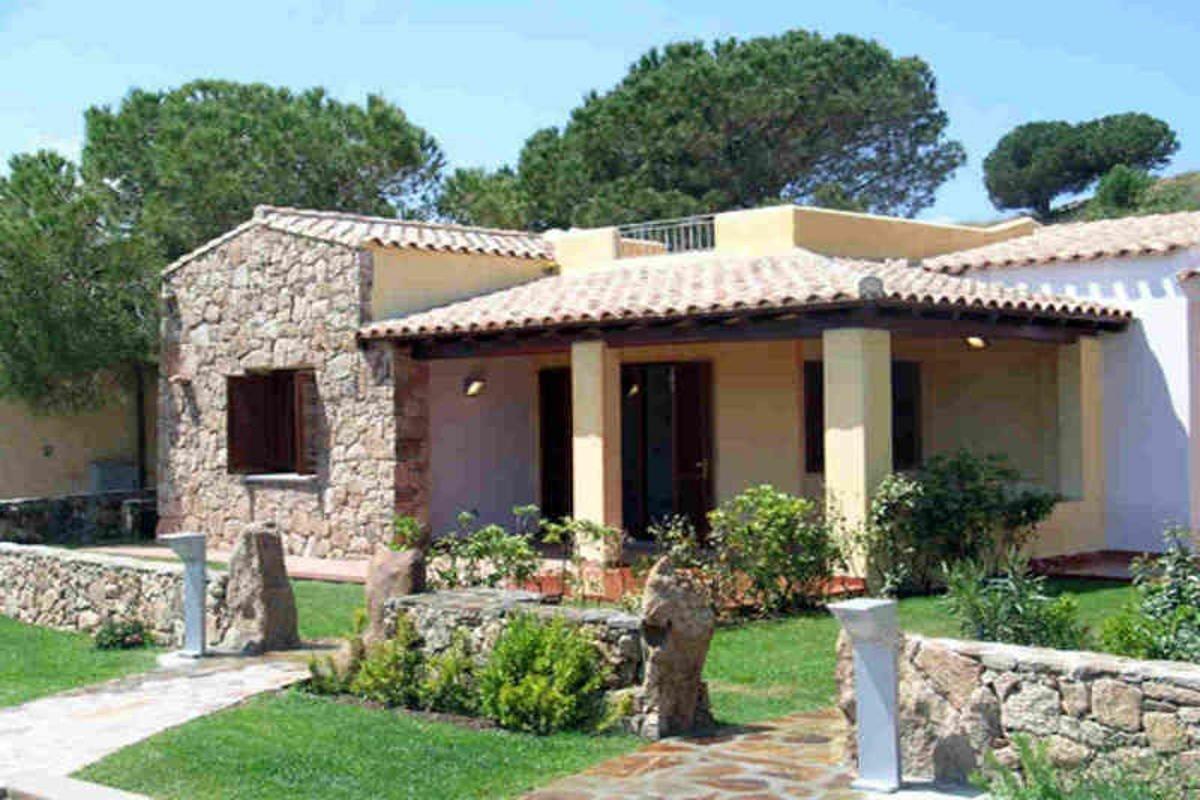 Waterfront house Sardinia sale