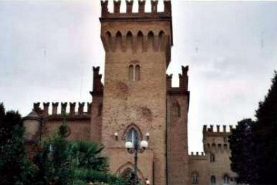 Castle for sale in Italy Emilia Romagna 02
