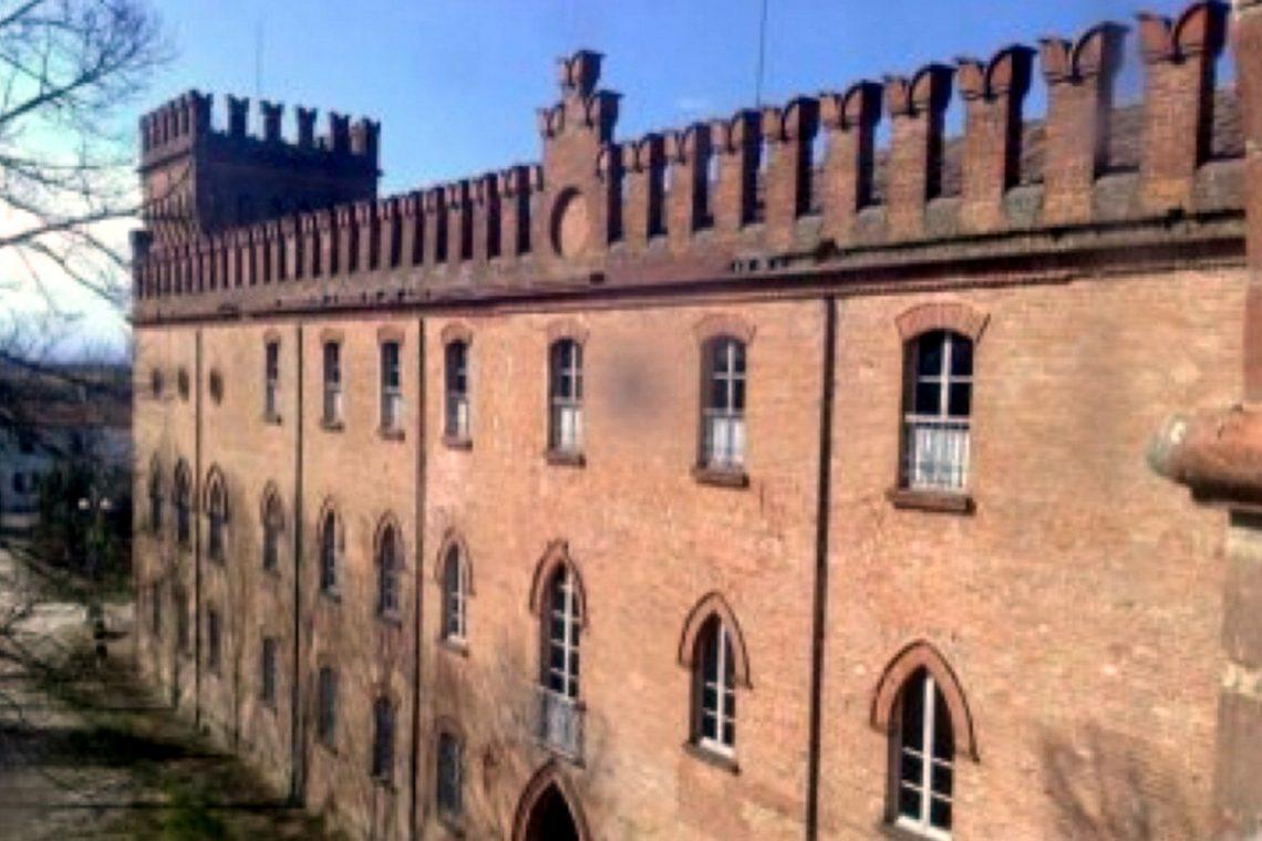 Castle for sale in Italy Emilia Romagna 04