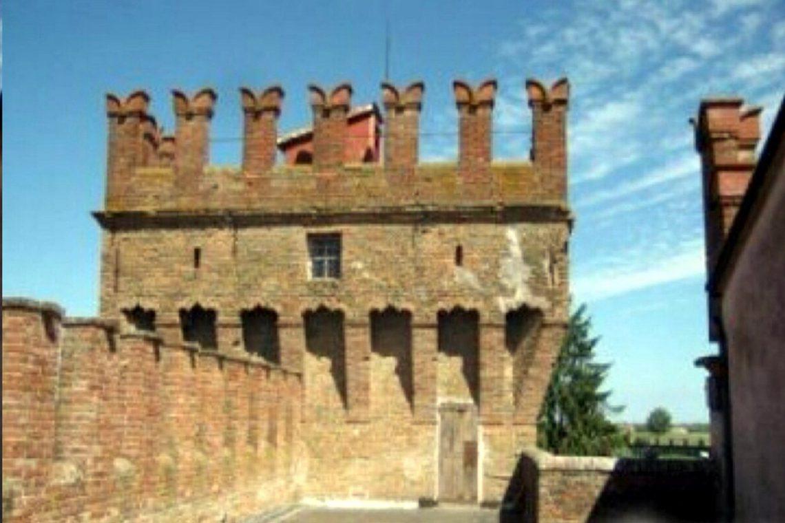 Castle for sale in Italy Emilia Romagna 06