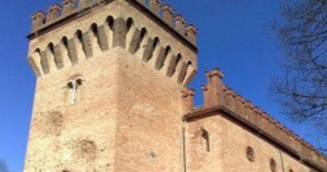 Castle for sale in Italy Emilia Romagna slider