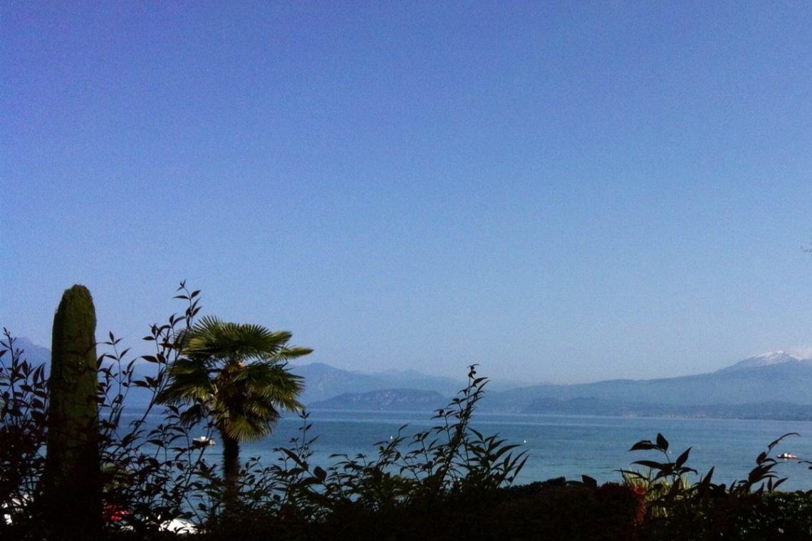 Waterfront house Lake Garda in Peschiera del Garda 16