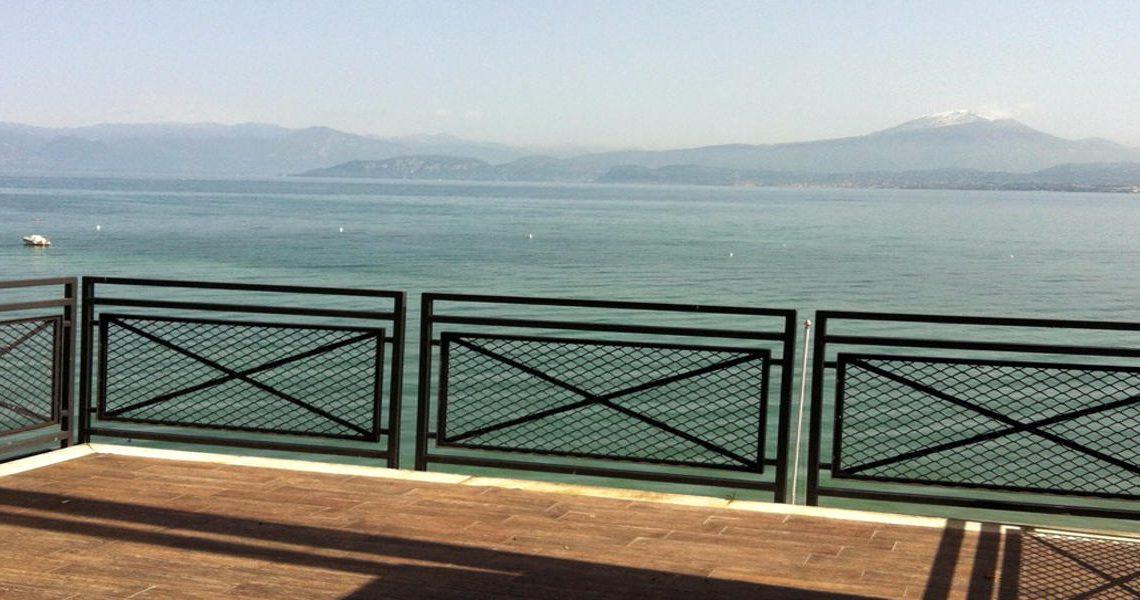 Waterfront house Lake Garda in Peschiera del Garda slider