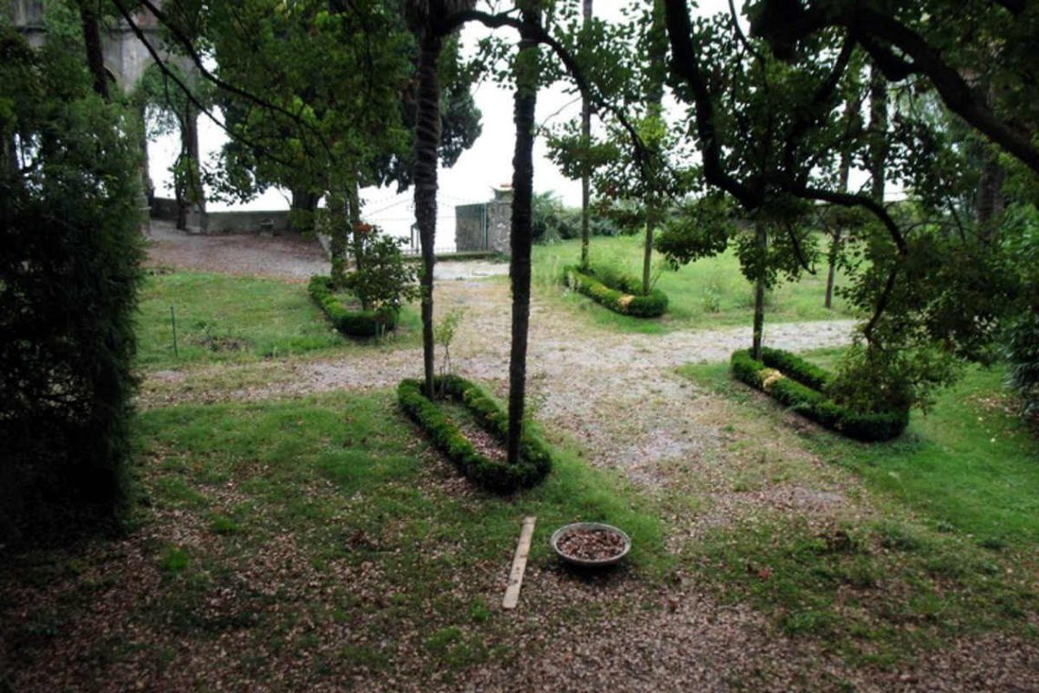 Waterfront historic house for sale Italy with private wharf 13