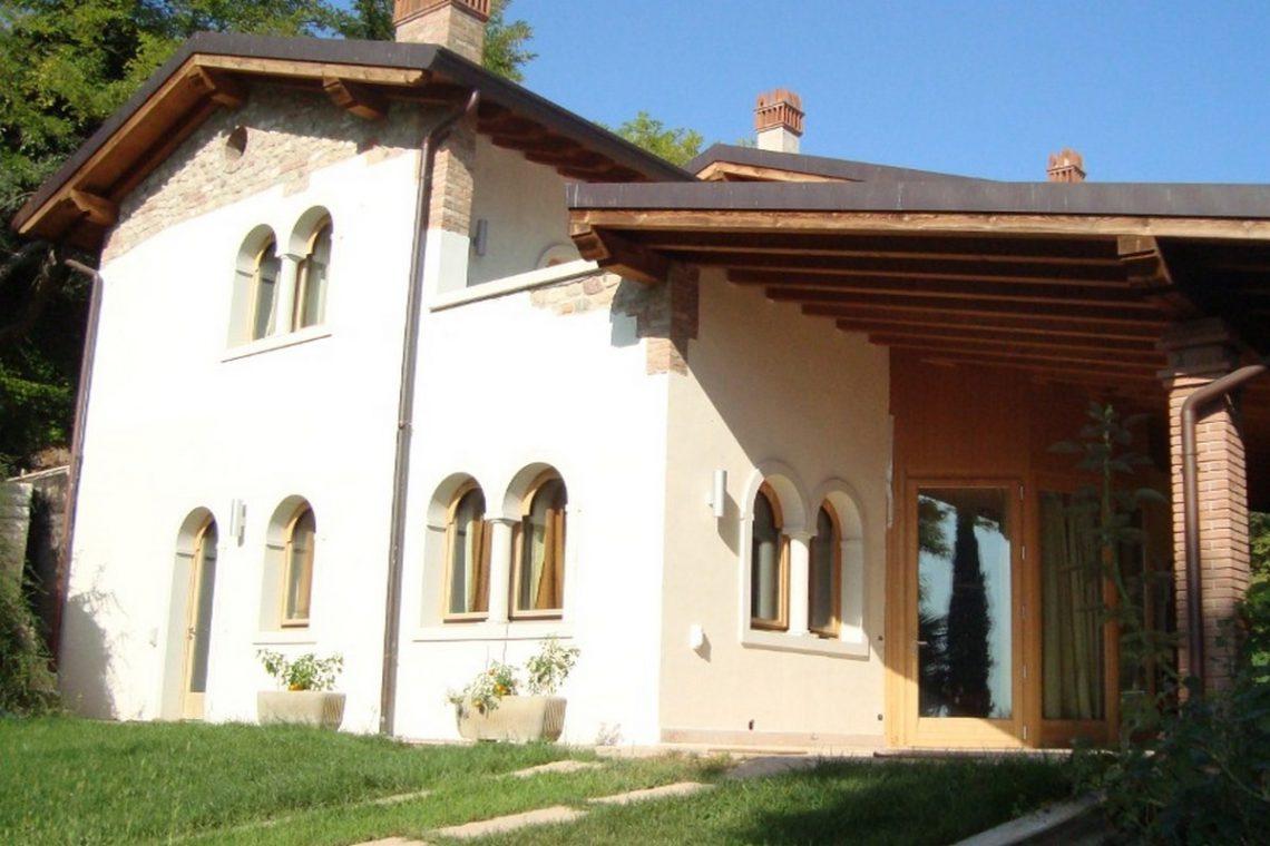Lake view villa Lazise del Garda with indoor pool 06