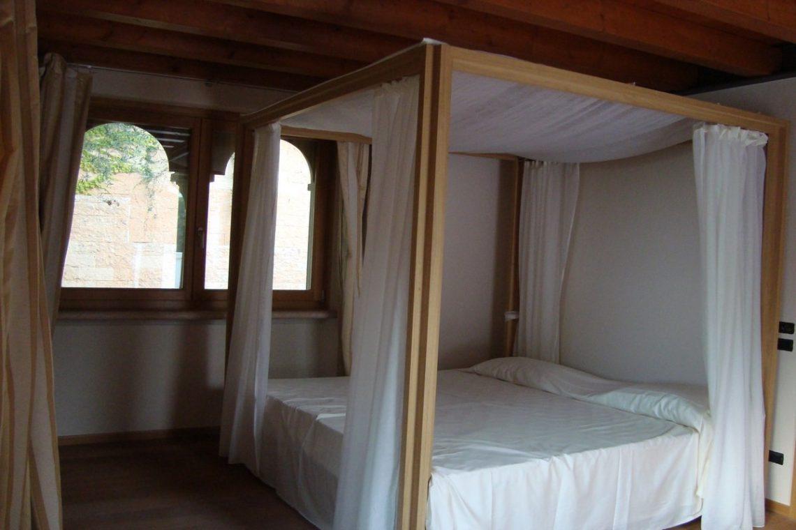 Lake view villa Lazise del Garda with indoor pool 18