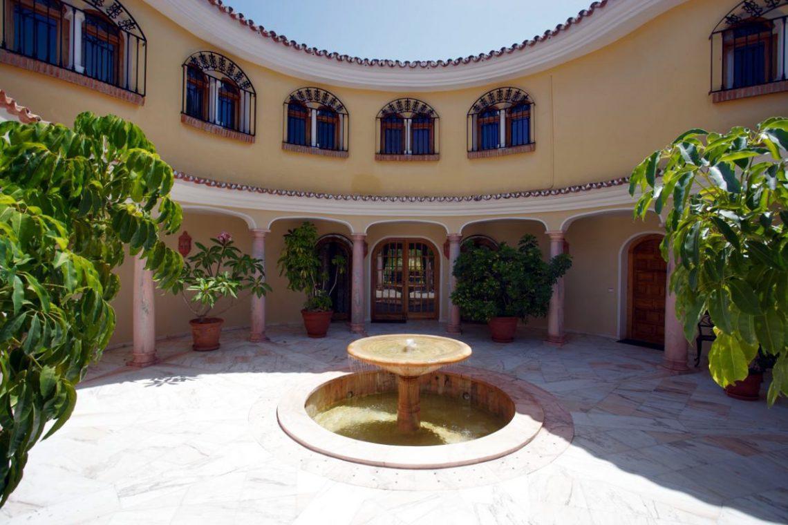 Luxury house Marbella sale near Santana Golf 06