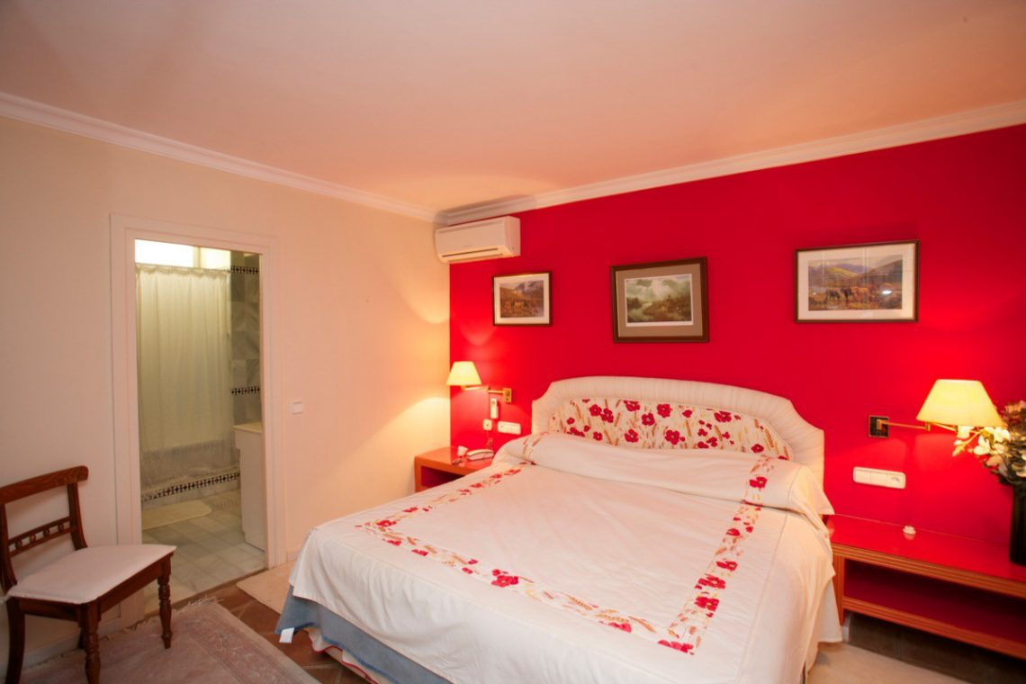 Luxury house Marbella sale near Santana Golf 23