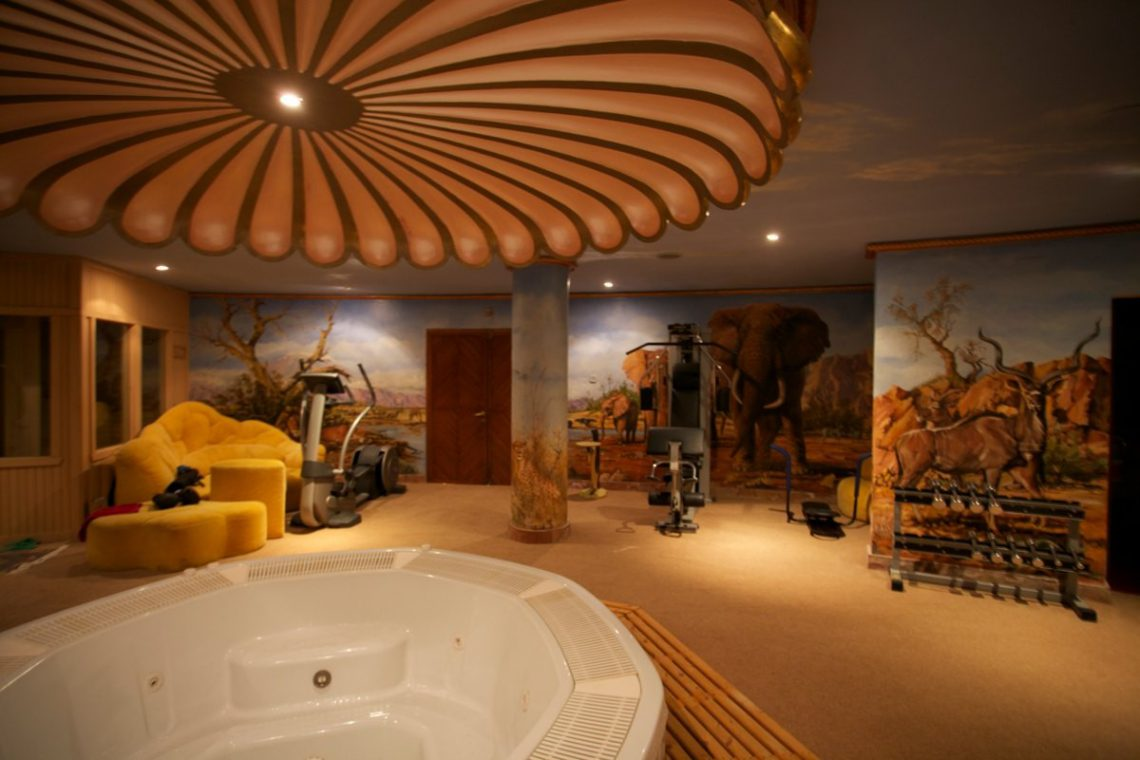 Luxury house Marbella sale near Santana Golf 26