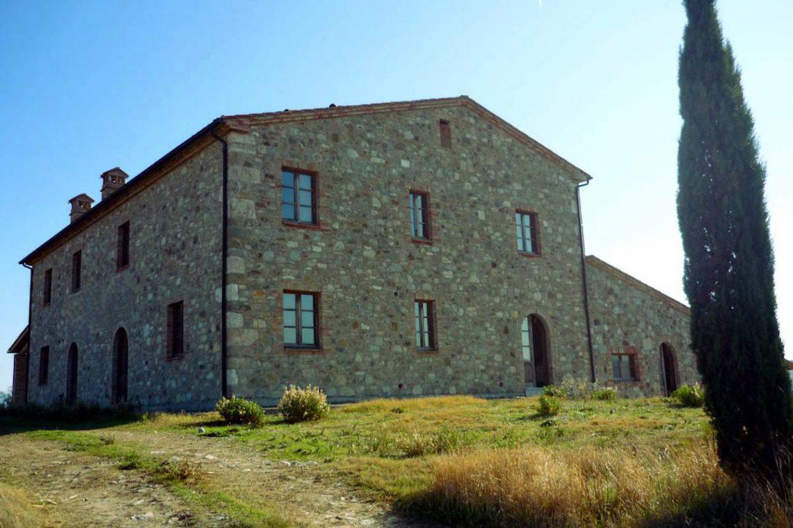 Tuscany farmhouse for sale near Montalcino 05