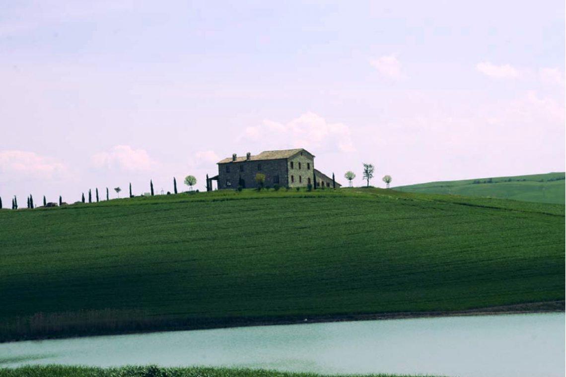 Tuscany farmhouse for sale near Montalcino 08
