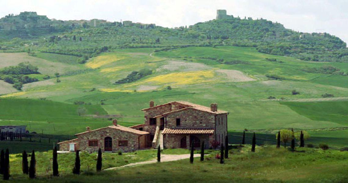 Tuscany farmhouse for sale near Montalcino slider