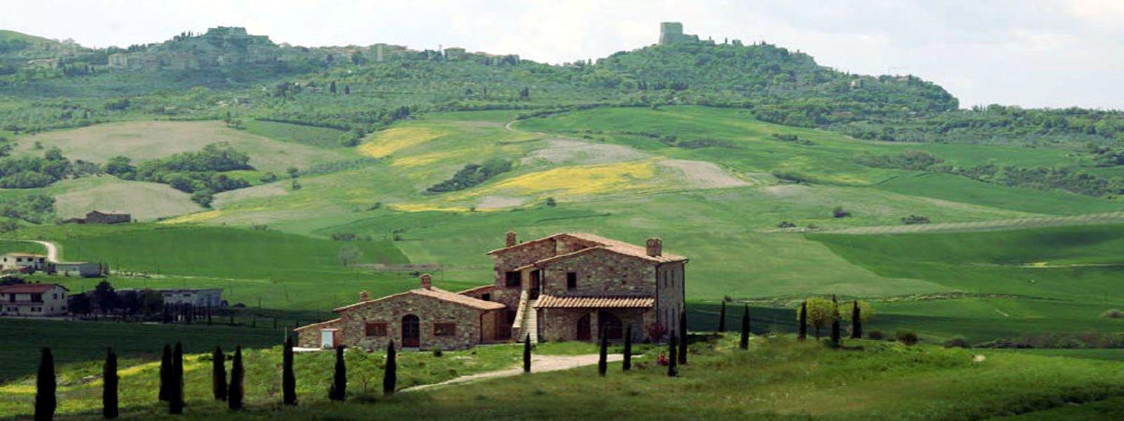 Tuscany farmhouse for sale near Montalcino