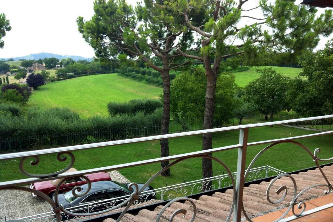 Luxury cottage for sale near Lake Garda Italy 09