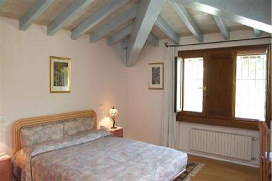 Luxury cottage for sale near Lake Garda Italy 19