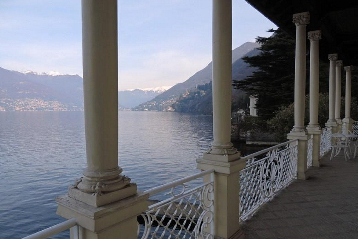Waterfront historic villa for sale Lake Como