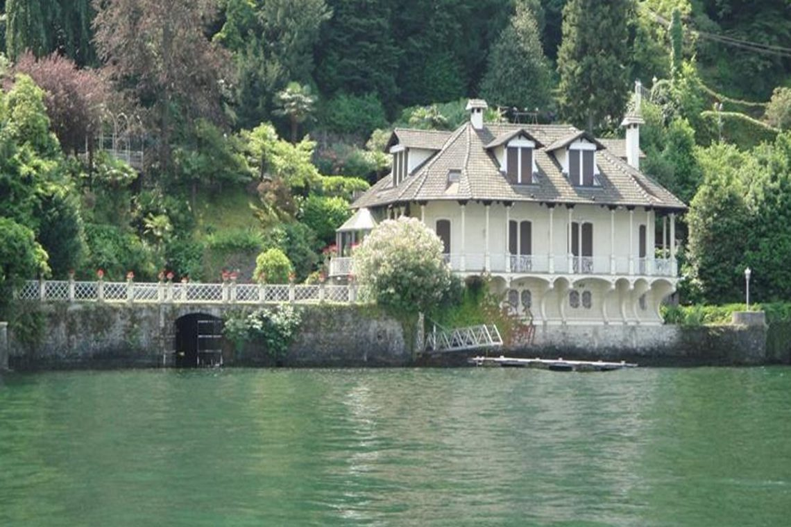 Waterfront historic villa for sale Lake Como 05