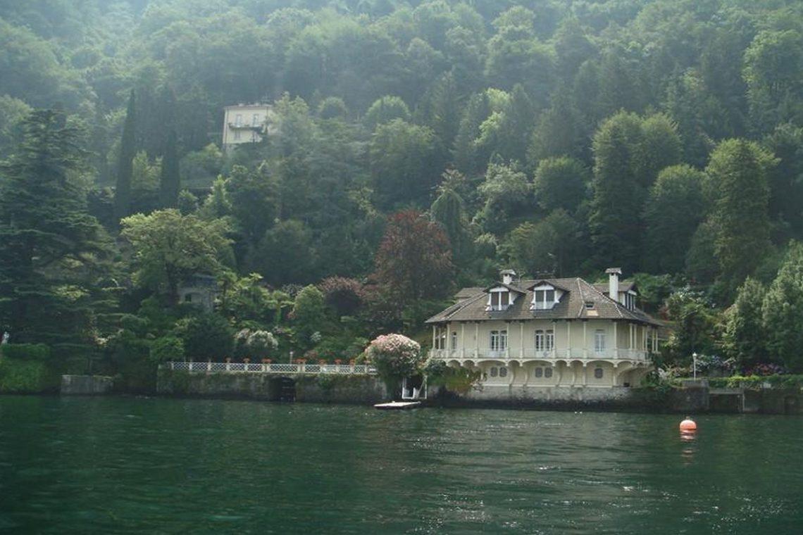 Waterfront historic villa for sale Lake Como 06
