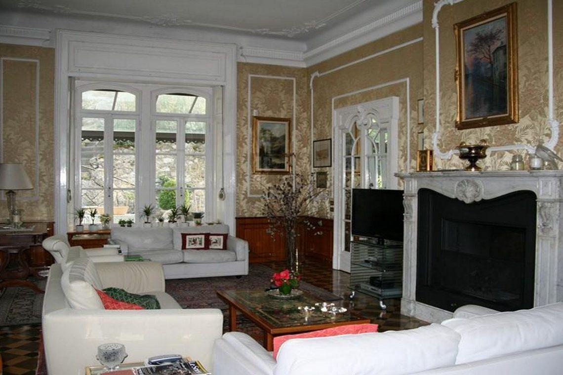 Waterfront historic villa for sale Lake Como 12