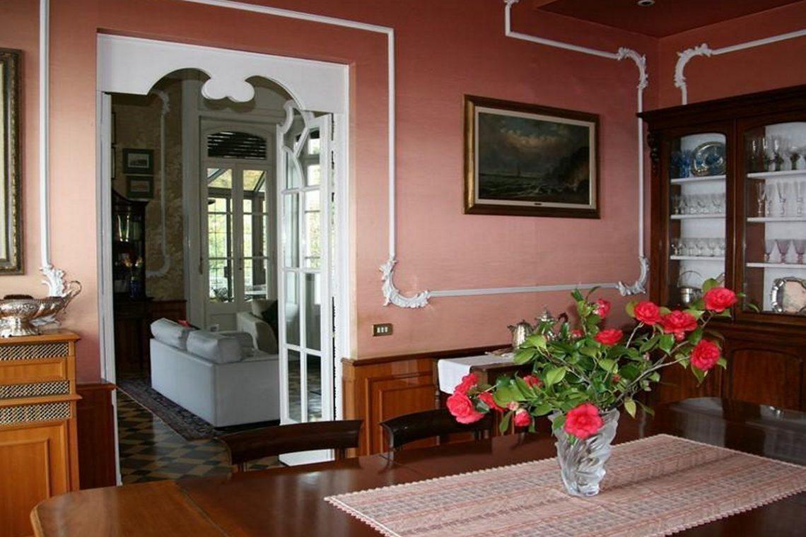 Waterfront historic villa for sale Lake Como 13