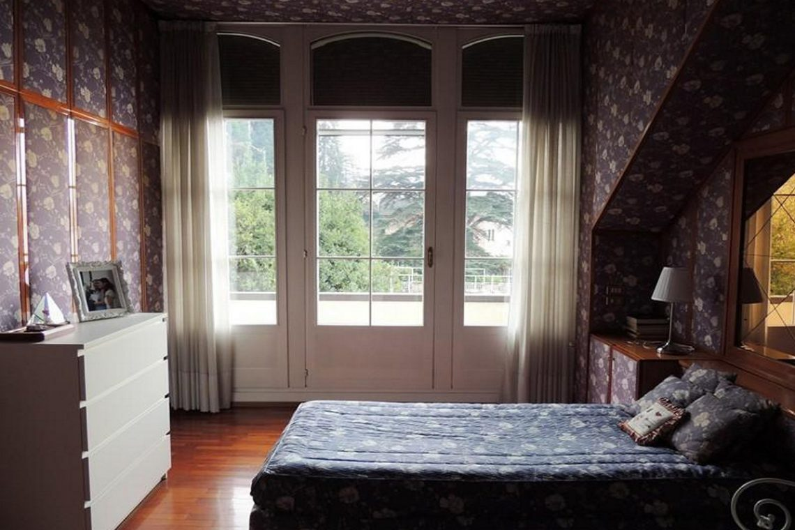 Waterfront historic villa for sale Lake Como 17