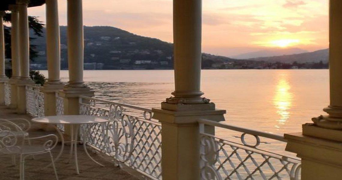 Waterfront historic villa for sale Lake Como slider