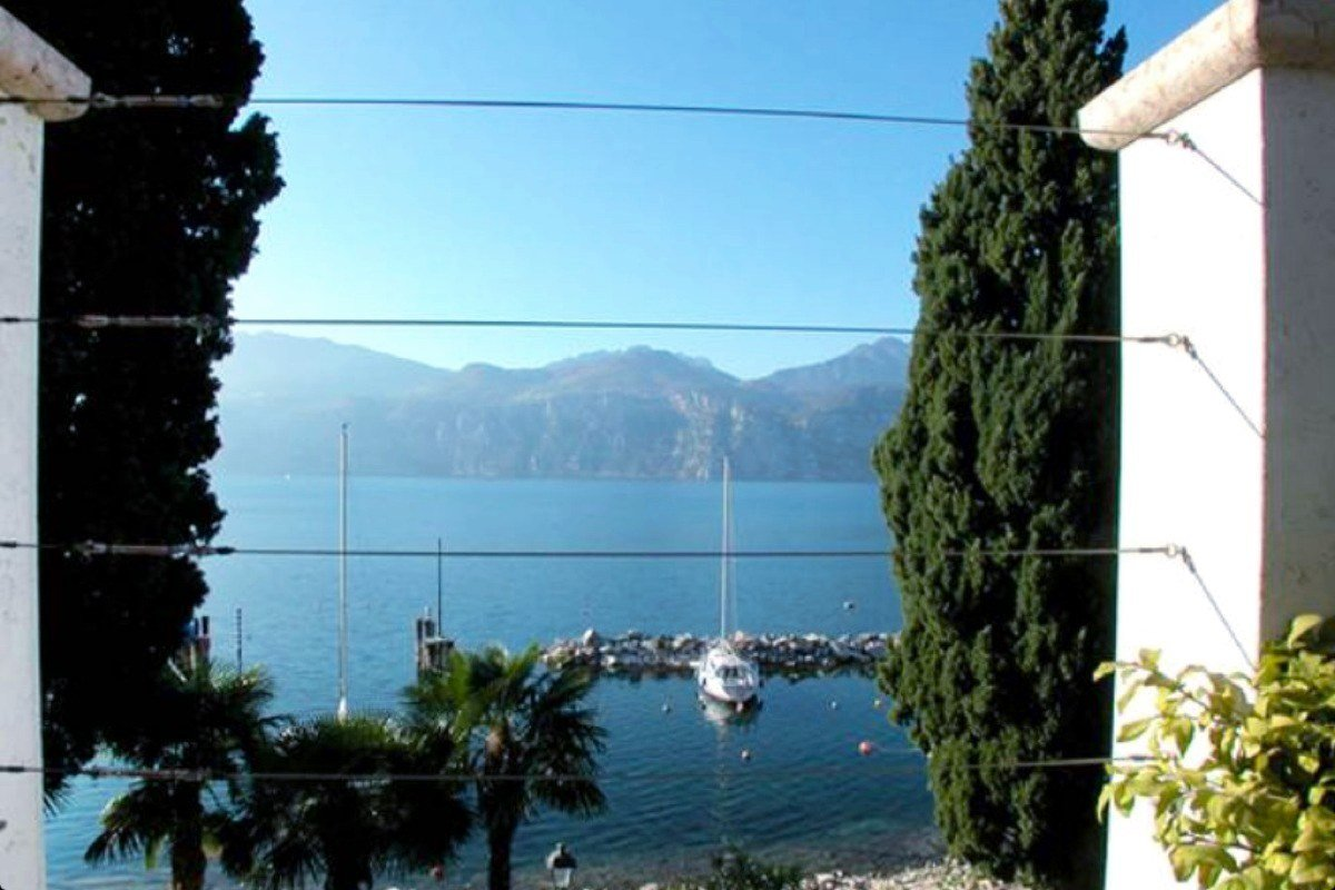 VVilla Art Nouveau for sale Malcesine Lake Garda