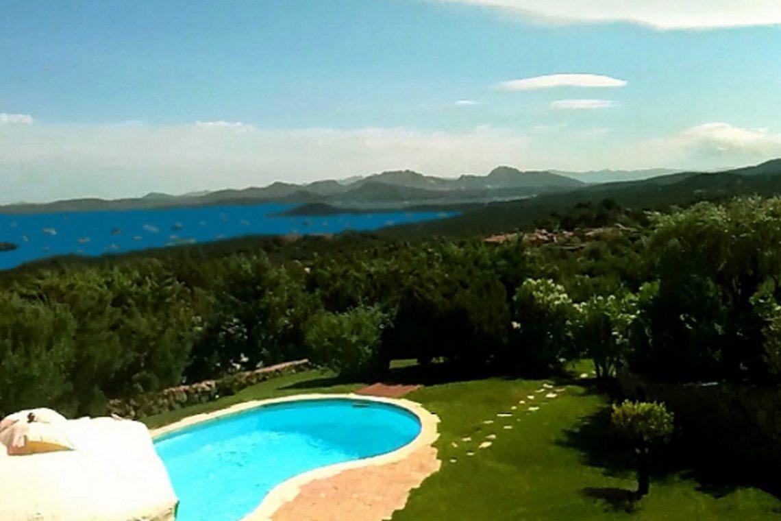 Sardinia Porto Cervo villa near Pevero Golf Club 02