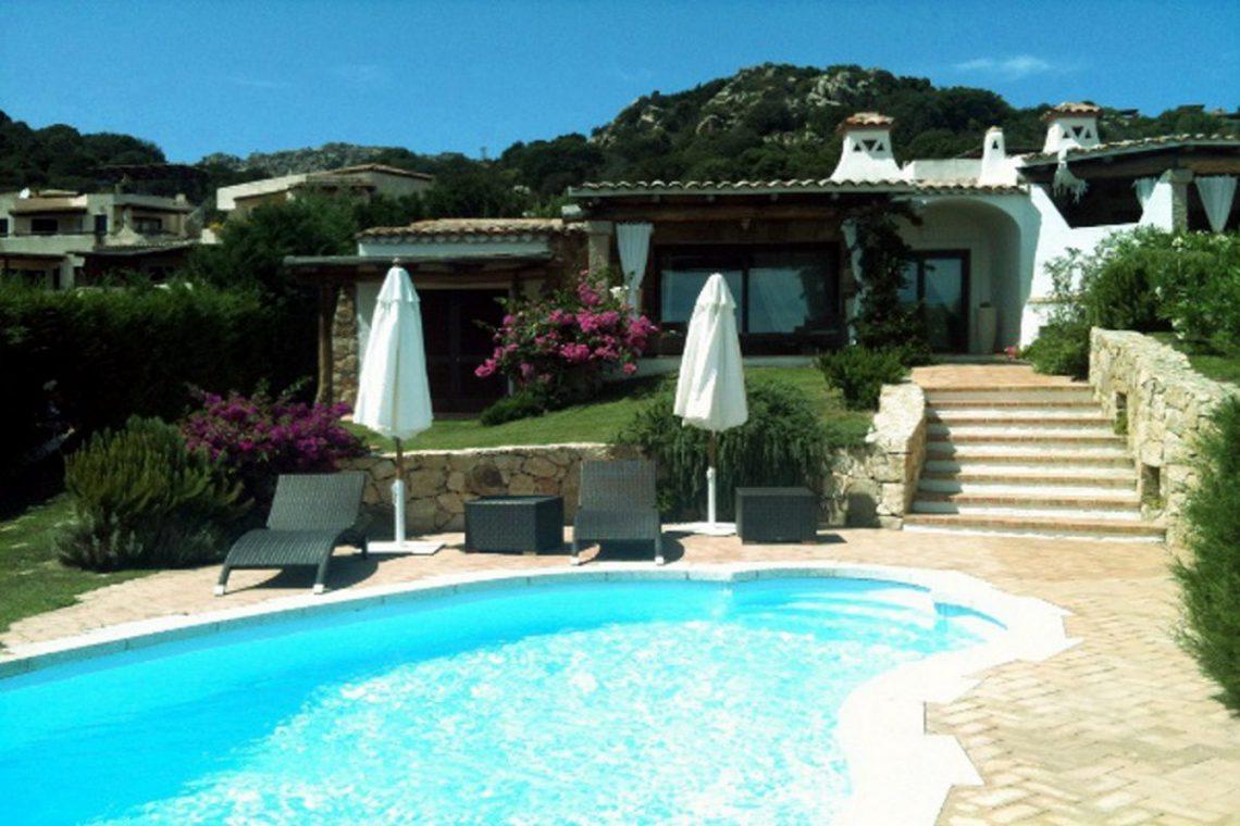 Sardinia Porto Cervo villa near Pevero Golf Club 03