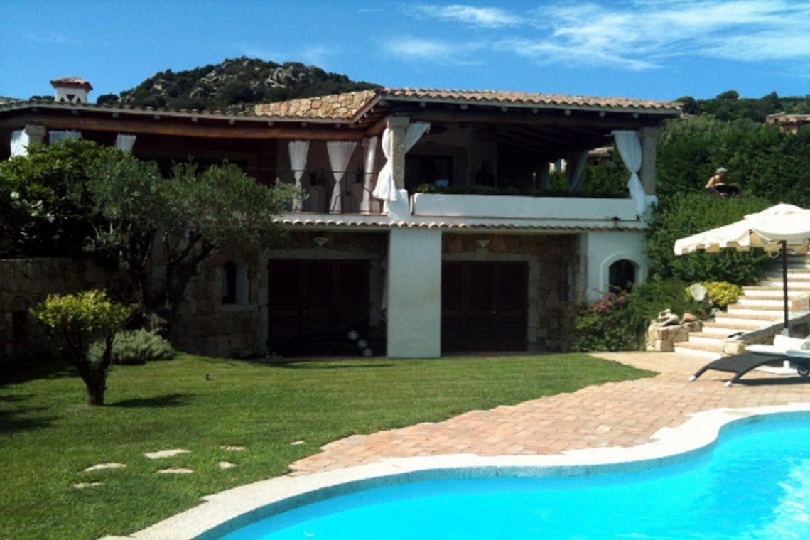 Sardinia Porto Cervo villa near Pevero Golf Club 04